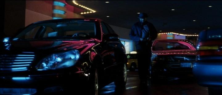 2000-Mercedes-Benz-S500-W220-2